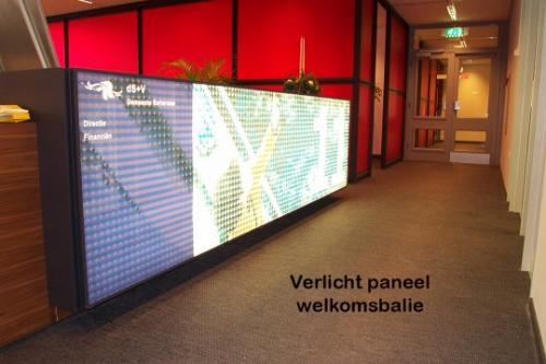 Pag 32 - verlicht paneel welkomsbalie gemeente Rotterdam